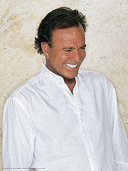 Portrait of Julio Iglesias (click to view image source)